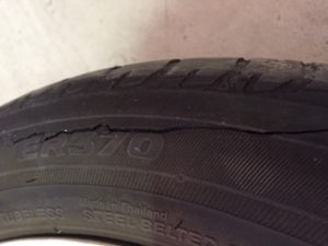 Cracked tyre sidewall